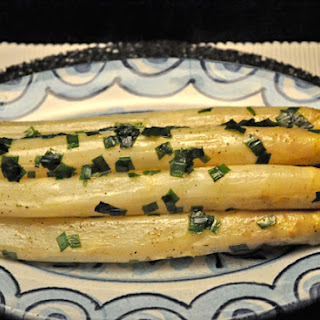 White Asparagus with Butter and Chives Recipe