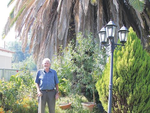 Wee Waa's Keith Ryan ageing gracefully in his magic garden