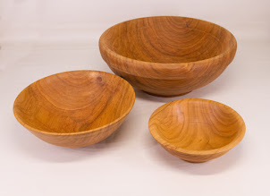 "Photo: Manu Suarez 9"" x 4"" 3 core saver bowls [cherry]"