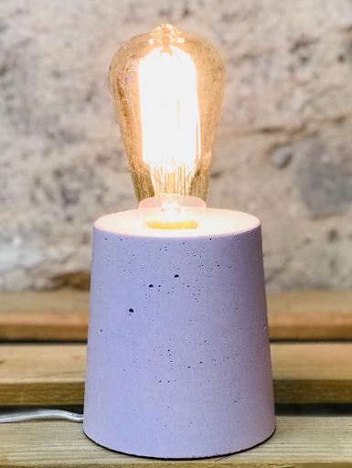 lampe béton rose pastel au design cylindre fait-main en atelier français