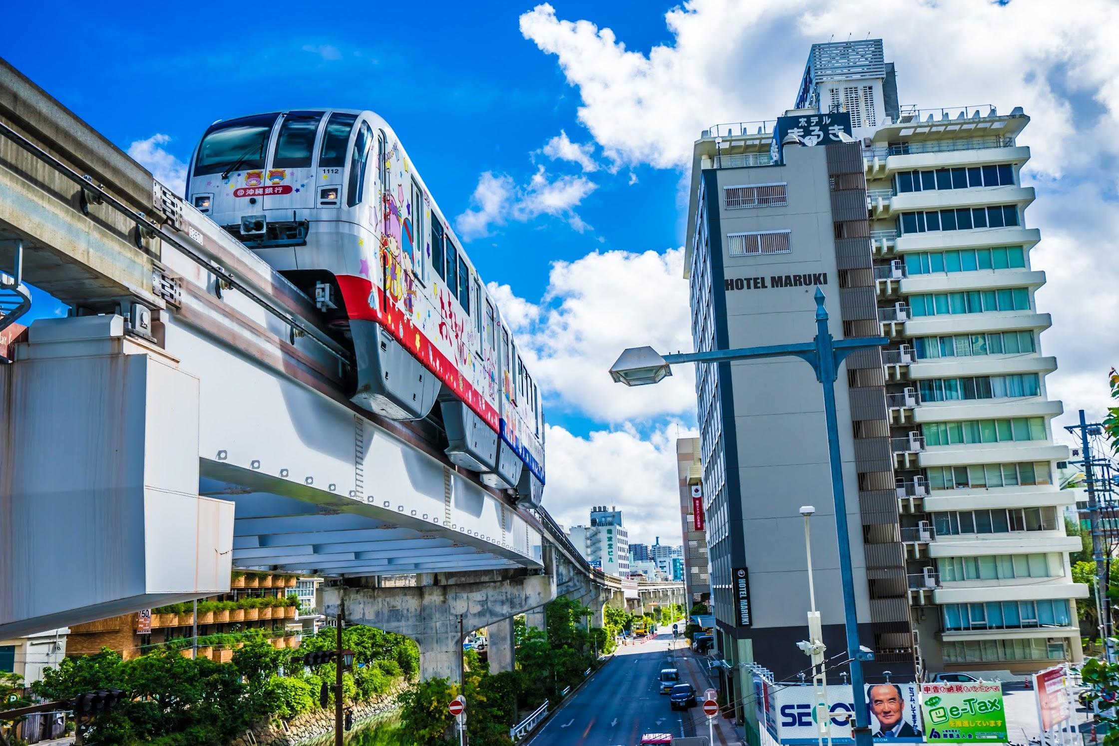 Naha monorail2