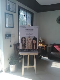 Looks Unisex Salon photo 2