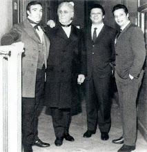 Photo: Giacomo Aragall, Sesto Bruscantini, Ginni Raimondi, Alfredo Kraus in Palermo 1967. Foto: Sammlung Krammer