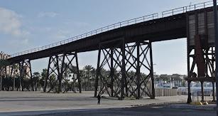 Este embarcadero fue construido en el año 1904 en la playa de las Almadrabillas