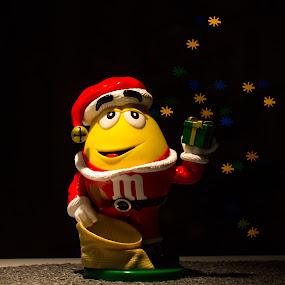 Hollidays with M&M'S by Baltă Mihai - Digital Art Things ( m&m's, tree, candy, christmas, bokeh )