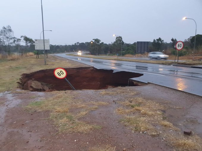 Giant sinkhole forces road closure on East Rand - SowetanLIVE