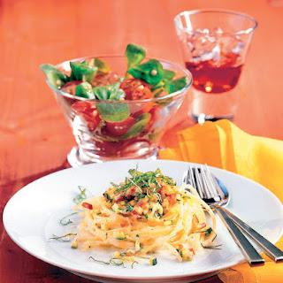 Spaghettinester mit Paprika-Zucchinigemüse