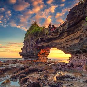 Batu Bolong by Bayu Adnyana - Landscapes Sunsets & Sunrises ( temple, bali, skyscraper, sunset, seascape, travel, sunrise, beach, landscape, sun )