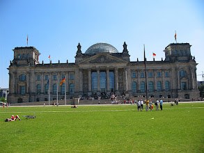 Photo: full frontal reichstag