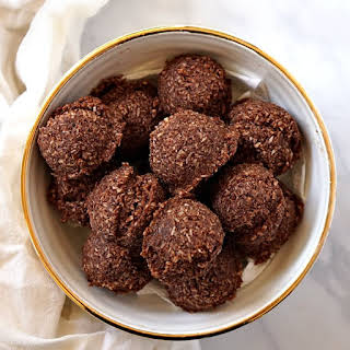 Cocoa Macaroons.