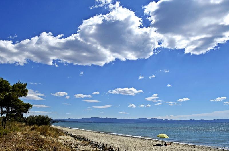 Al mare sotto le nuvole di Luciano Fontebasso