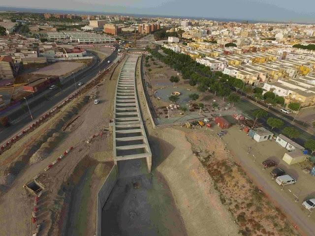 Vista aéra del tramo de El Puche, primera fase soterrada de la integración ferroviaria en la ciudad