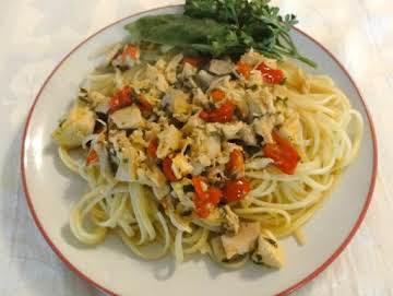Fresh Herbs, Tomatoes, and Chicken Pasta
