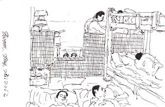 Photo: 牢房裡的矮牆2012.05.23鋼筆 為了便於監看收容人動態,牢房裡的厠所只有一道沒有門的矮牆,這是公權力之下受基本人權保障的收容人僅能擁有的個人隱私.... 因為厠所不是獨立的空間,只要有人在大便,房裡就臭氣沖天,夜裡把其他的人熏到醒是常有的事,洗澡時就坐在馬桶旁的地上洗,再用透明塑膠布擋在矮牆的缺口,免得水濺到打地舖的人....