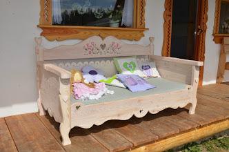 Photo: Łóżko sofa z drewna ręcznie malowana, olejowana i postarzana