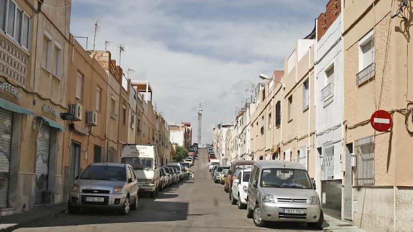 Imagen de una de las calles de Piedras Redondas afectadas por el corte eléctrico.