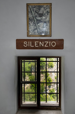 Silenzio ascetico di Camillo G