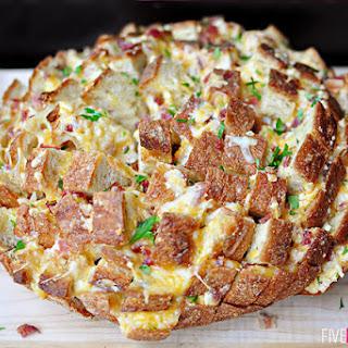 Cheesy Pull-Apart Bread with Bacon, Garlic, Cheddar & Swiss