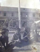Photo: Lê Hữu Khương ( MS1 K6); Châu Hoàng Sơn (MS1 K6); Sen (CN2 K6) ; Nguyễ thị Tươi ( CN2 K4).
