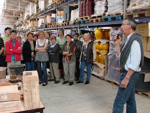 Photo: la fabrication expliquée par Mr Fringant à un public attentif