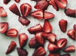 ROASTED STRAWBERRIES:1. Preheat oven to 375 degrees F.2. Line baking sheet with parchment paper.3....