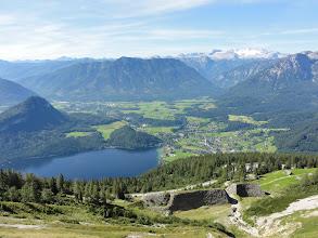 Photo: Wir blicken nochmals zurück auf den Altausseersee, den Hohen Dachstein und einige Gebirge des Ausseerlandes