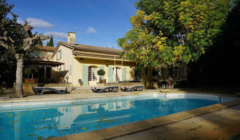 Villa avec piscine et jardin Tarascon