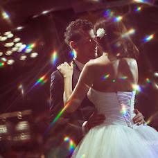 Wedding photographer Irina Kosmacheva (IrikaLux). Photo of 19.07.2014
