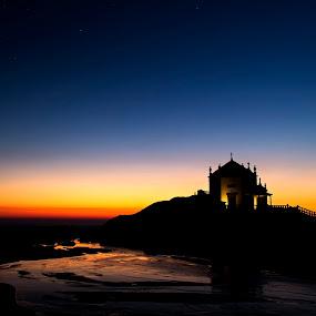 Sr. da Pedra II by Júlio Alves - Landscapes Waterscapes ( sr. da pedra, pôr-do-sol, sagrado, sunset, sea, mar, holy, portugal, gulpilhares )