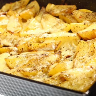 Baked Cheesy Potato Wedges