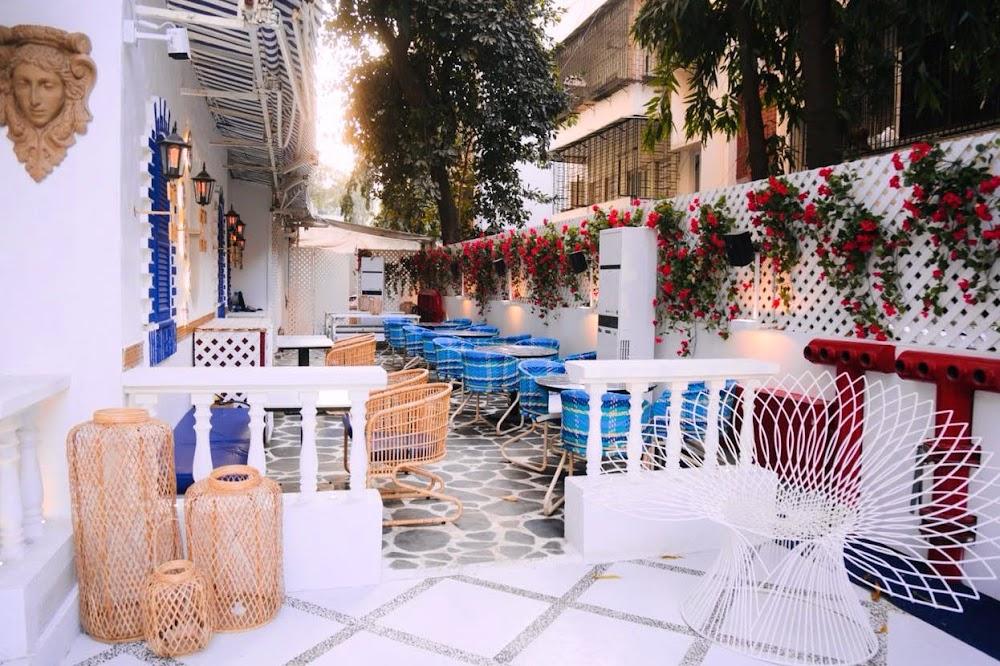 sports-bars-mumbai-Blanco