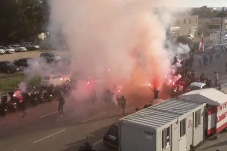 Barrages pour la Ligue 1 : le car du Havre caillassé, le match est reporté !