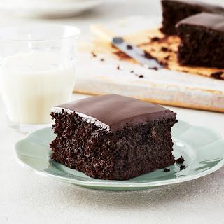 Dark and Delicious Vegan Chocolate Cake Recipe