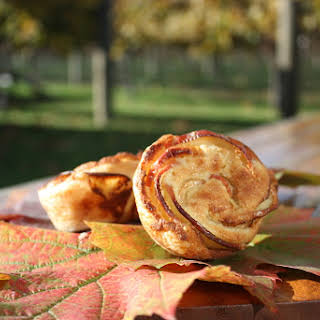 PASTRY APPLE ROSES.