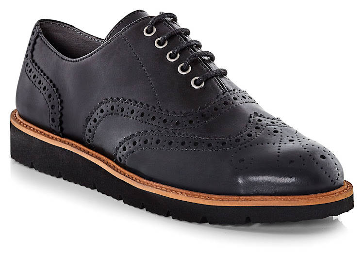 The Dylan Brogue, R1,499