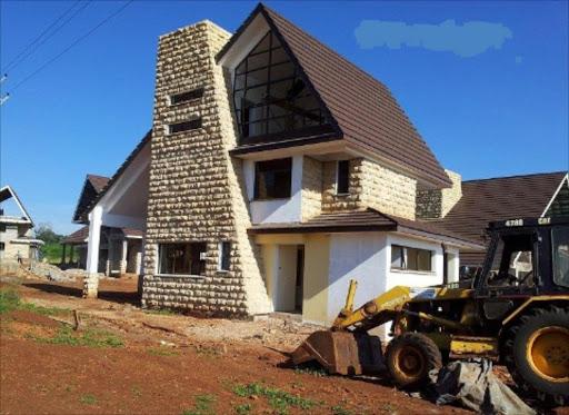 Realtors float offers to bait elusive home buyers