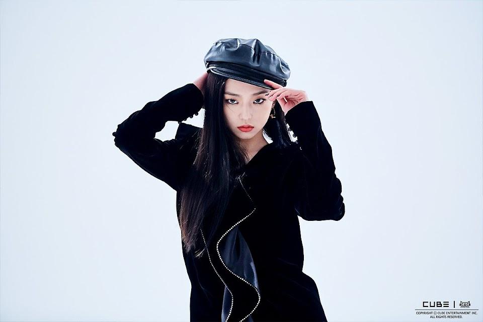 yeeun black 2