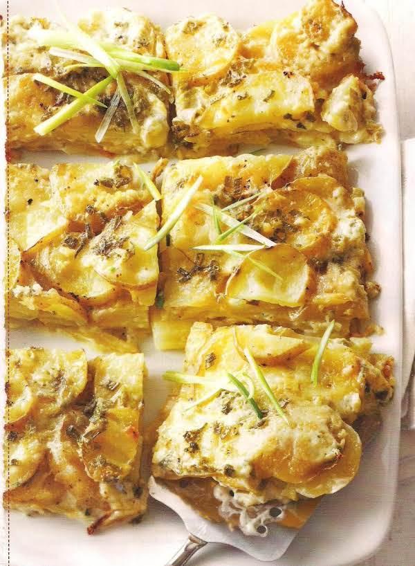 Cheesy Garlic Potato Gratin
