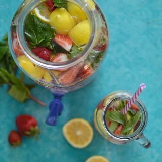 Skinny Strawberry Mint Detox Water.