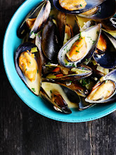 Photo: Name : Karen Low Location : Sydney, Australia Blog : Citrus and Candy Title: Mussels with Blue Cheese and White Wine Sauce The URL of the post :http://www.citrusandcandy.com/2012/12/mussels-blue-cheese-white-wine.html Camera and lens: Canon 1000D / Canon 50mm F1.8