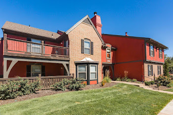 Go to Leawood at State Line Apartments website