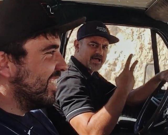 Willy Rodríguez y Nach, durante el rodaje.