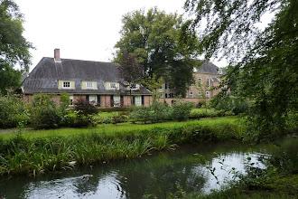 Photo: Zijaanzicht van het Rijssens Museum.
