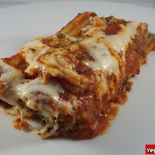 Super Cheesy Spinach Stuffed Manicotti