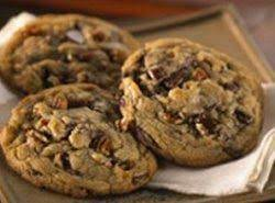 To Die For Chunky Chocolate Pecan Cookies