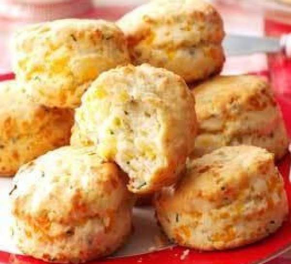 Flaky Cheddar-chive Biscuits Recipe