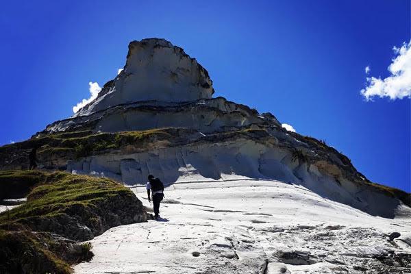 Bukit Salju Pulau Sabu