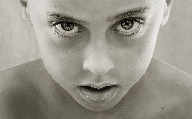 behind blue eyes di carla_g