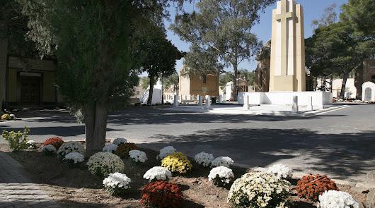 Los cementerios reabren y el bus urbano incrementa el servicio en la fase 1