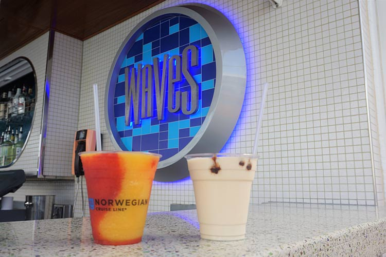 A Mango Meltdown at Waves on Norwegian Getaway.
